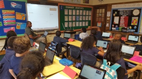 The class learns to blog.